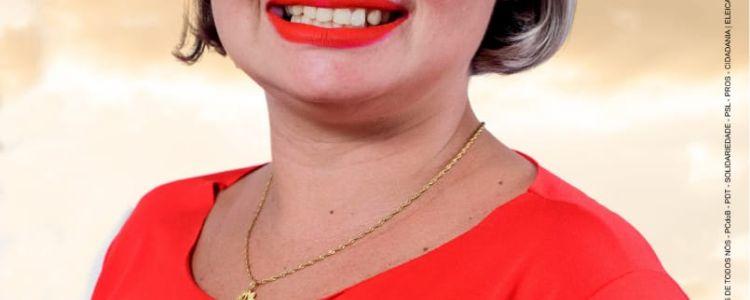 Conheça Pollyanne Lopes, candidata a vereadora em Caxias.
