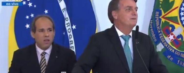 """Bolsonaro reconhece seu fracasso: """"Nada está tão ruim que não possa piorar"""""""