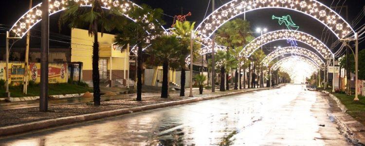 """Fake News sobre """"Natal Iluminado"""" podem afetar economia da cidade durante o natal."""