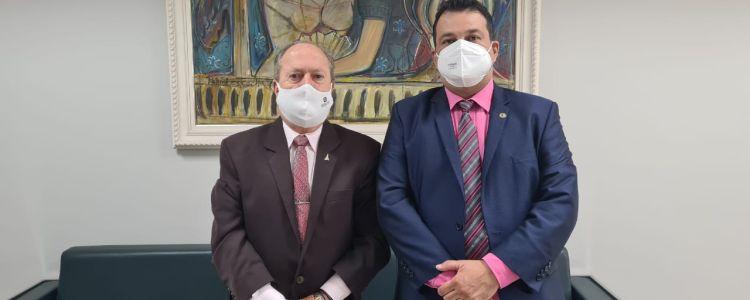 Adelmo Soares vai ao MP exigir apuração das denúncias de merenda escolar ESTRAGADA em Caxias